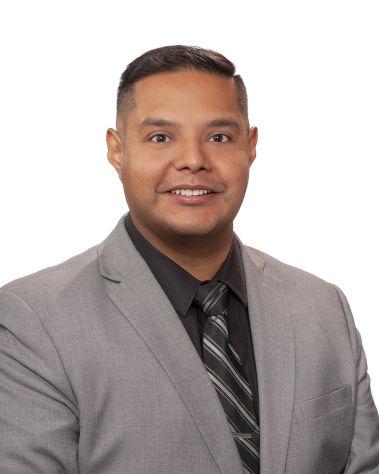 Carlos Estrada : Fleet and Commercial Sales Manager
